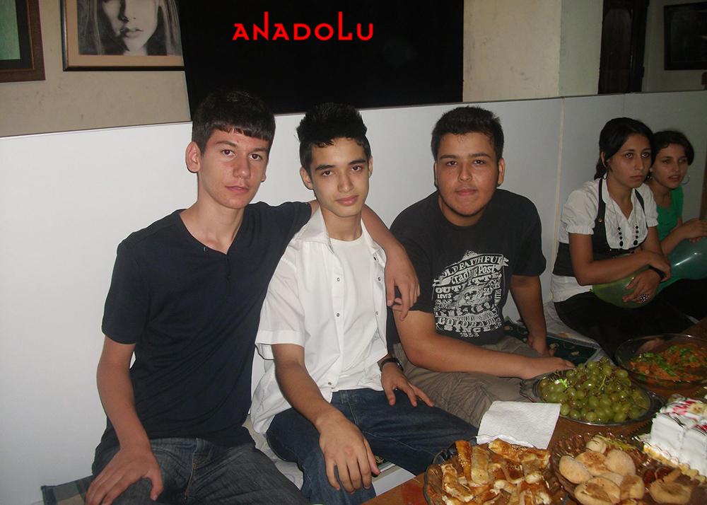 Konyada Anadolu Güzel Sanatları Lisesini Kazanan Öğrenciler