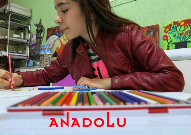 Kuru Boya Çalışması Yapan Öğrenci Görseli Konyada